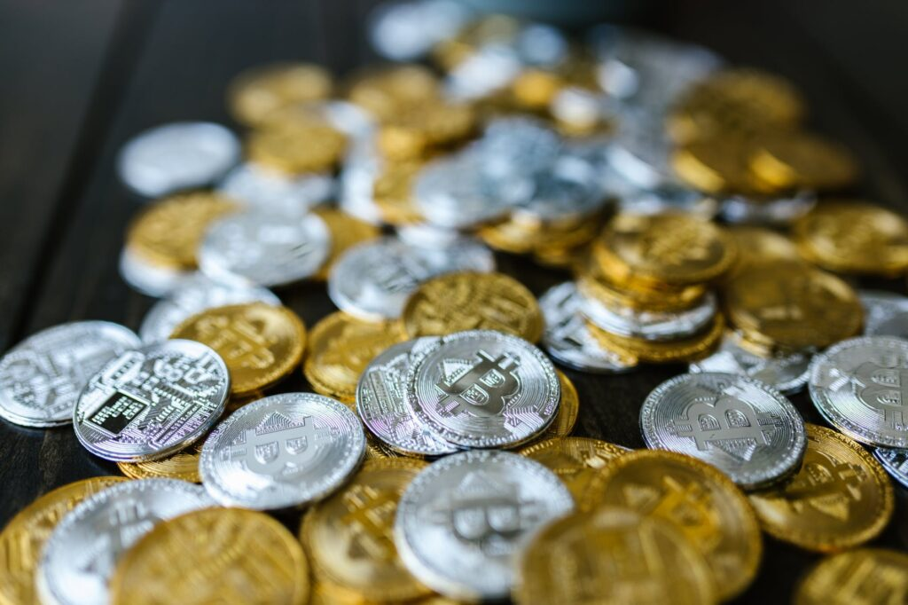 silver and gold round coins